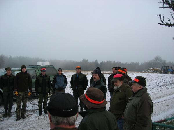 Göran Linder var jaktledare för dagen och drar här förutsättningarna